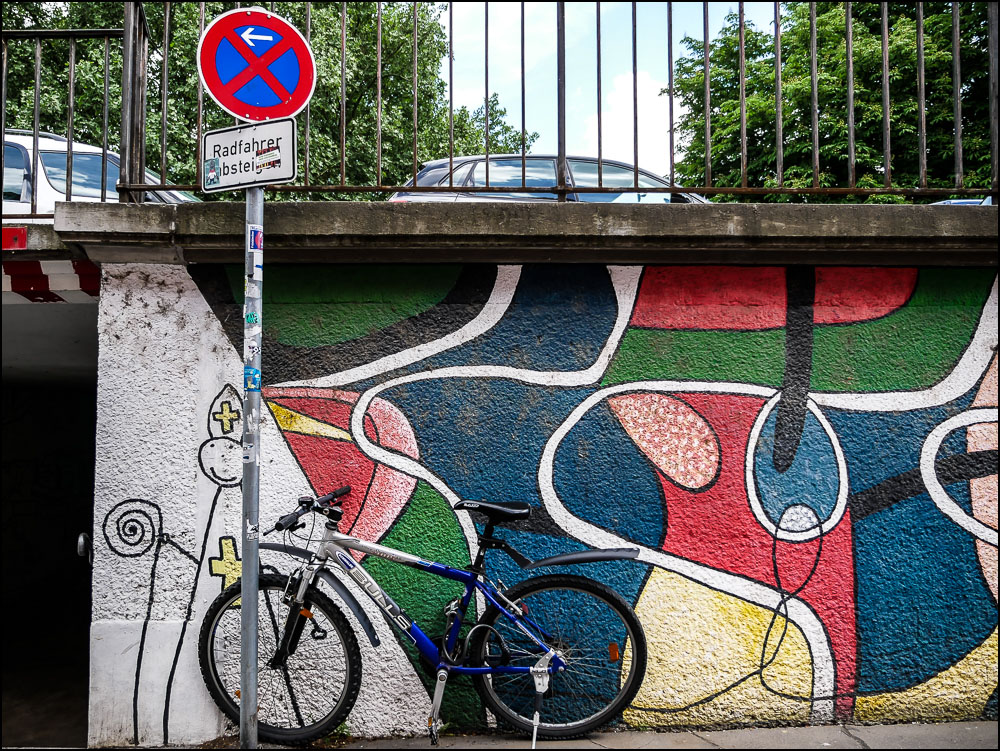 20190317 blog Bicycle and graffiti Wurzburg